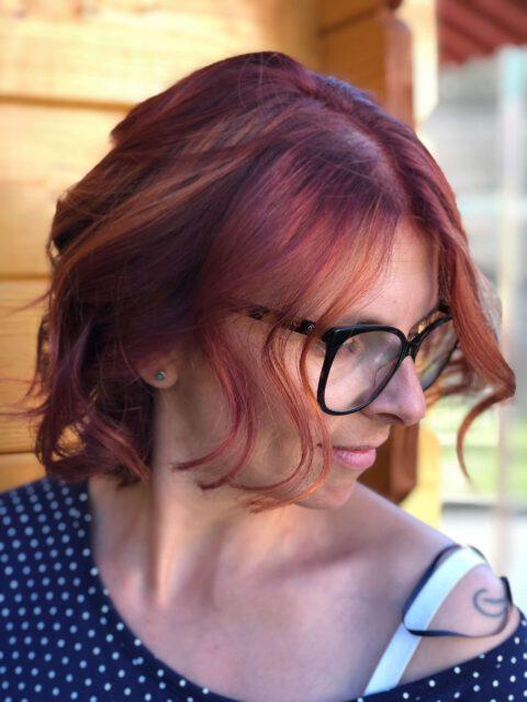 Kundenfoto kupfer-rot, weichfließende Strähnentechnik, Face-frame